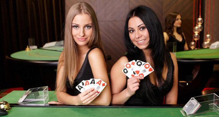 Alasan-Kenapa-Banyak-Orang-Suka-Bermain-Judi-Poker-Online